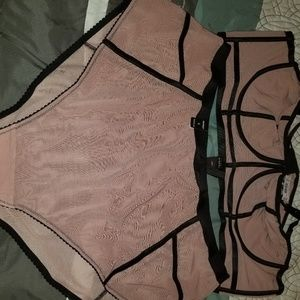 New Torrid bralette and panty set size 5